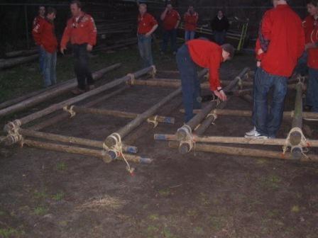Reuzenrad pionieren, de frames worden gebouwd.
